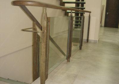 Centro asesor Caravaca, baranda hierro vintage cristal