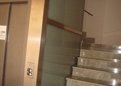 Vidrio laminado templado mate para pared de ascensor casa de la cruz