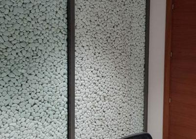 Cristal de Seguridad para pared de Cantos Rodados