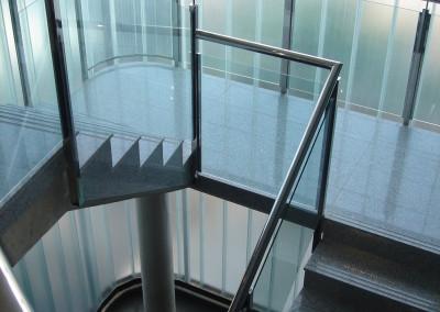 Baranda de vidrio y acero tras uglass, para Restaurante Fuente la Higuera