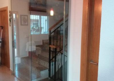 Cerramiento escalera en vivienda unifamiliar