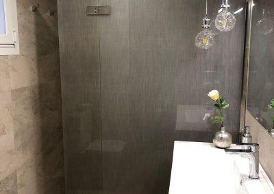 Mampara de ducha con lino