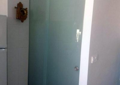 Puerta despensa de Cristal Lacado