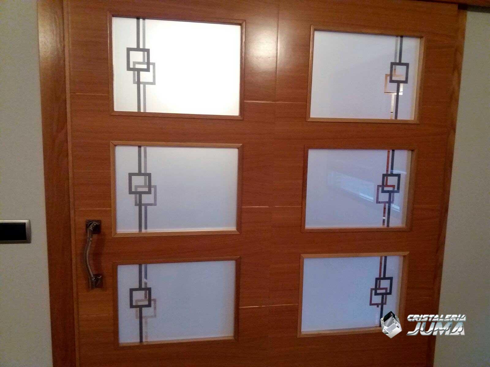 Cristales decorados para puertas ideas de disenos for Cristales para puertas de interior