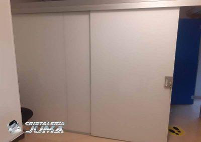Puertas corredera cristal lino y puertas abatibles de cristal lacado