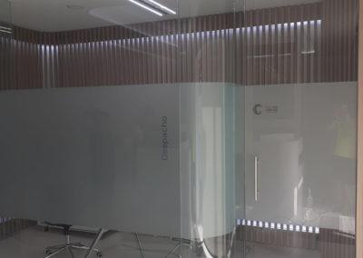 Cristal Curvo separación de espacios en clínica dental